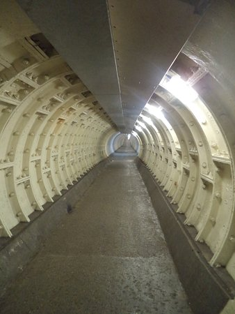 ‪Greenwich Foot Tunnel‬