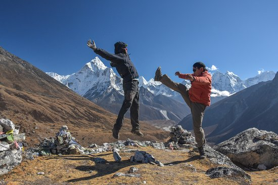 Utmost Adventure Trekking - Day Tours: Kung-fu Sherpa :-)