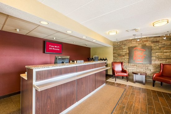Willoughby, OH: Front Desk