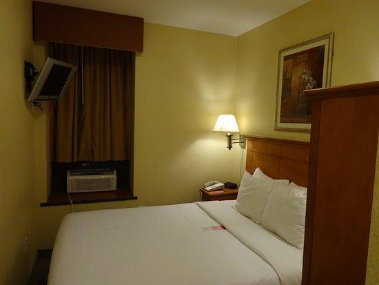 Econo Lodge Times Square Picture