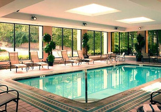 Shelton, CT: Indoor Pool