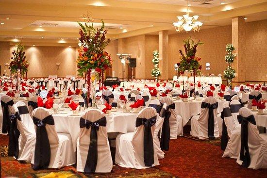 Independence, MO: Wedding