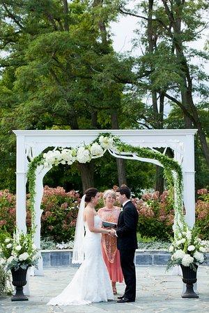 Vergennes, VT: Wedding Arch Ceremony