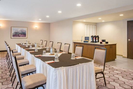 Lake Oswego, OR: Meeting Room