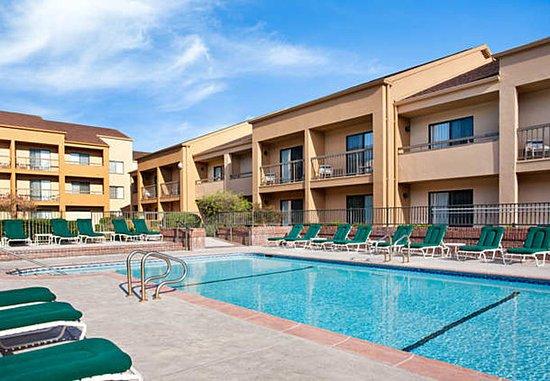 Rancho Cordova, كاليفورنيا: Outdoor Pool