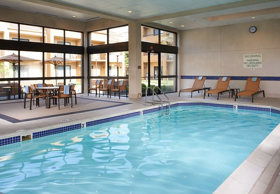Dublin, OH : Indoor Pool