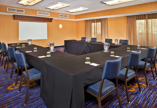 Willow Grove, PA: Meeting Space
