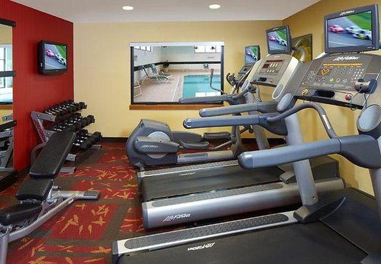 Bettendorf, IA: Fitness Center