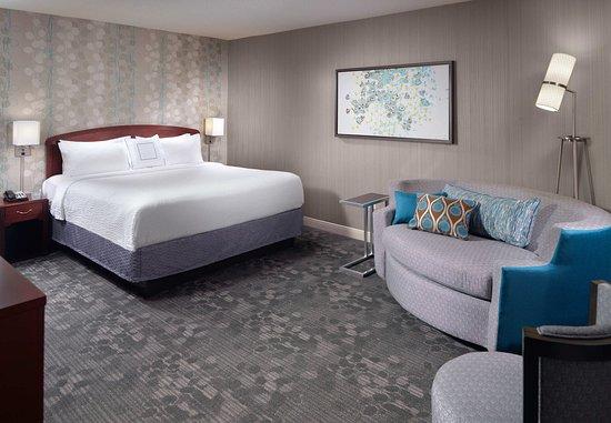 Alpharetta, GA: One-Bedroom King Suite