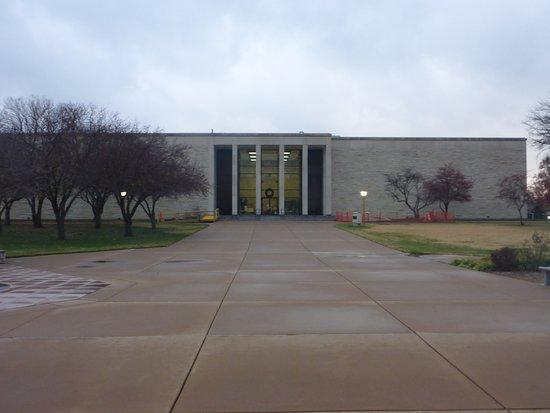 Abilene, KS: DDE Presedentiall Library