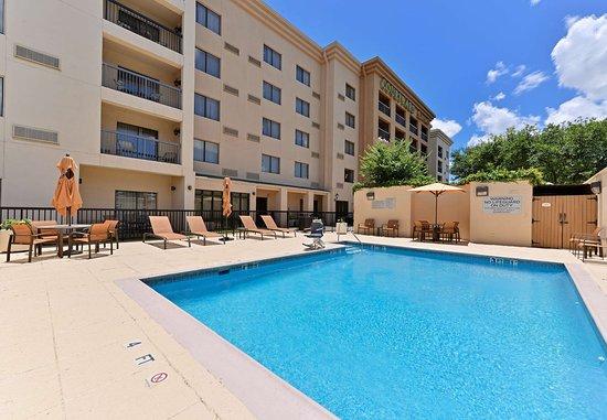Laredo, TX: Outdoor Pool