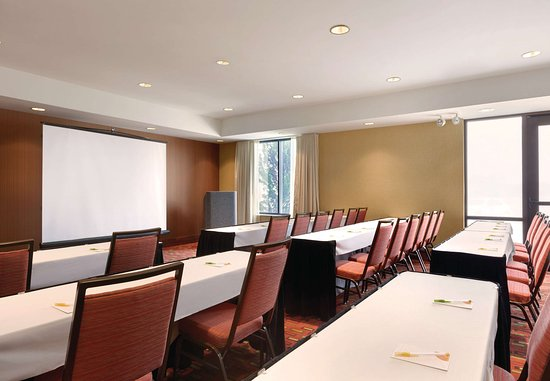 Junction City, KS: Meeting Room – Classroom Setup