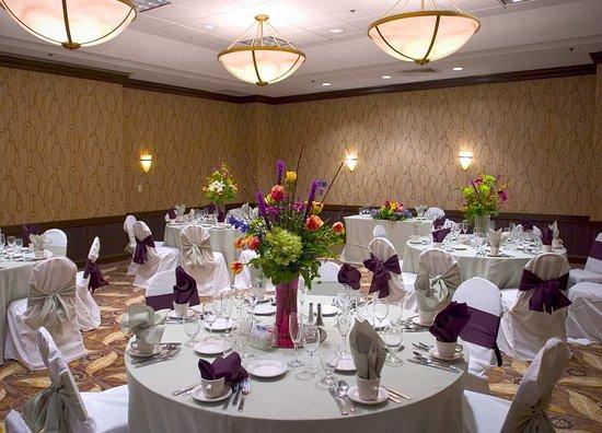 Lombard, IL: Weddings in the Ballroom