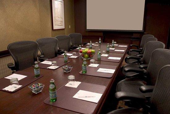 Lombard, IL: Executive Board Room