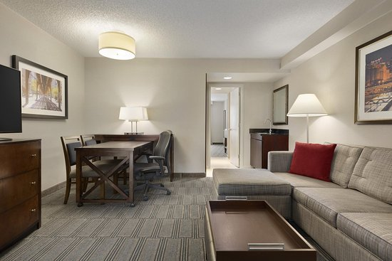 Lombard, IL: Suite Living Area