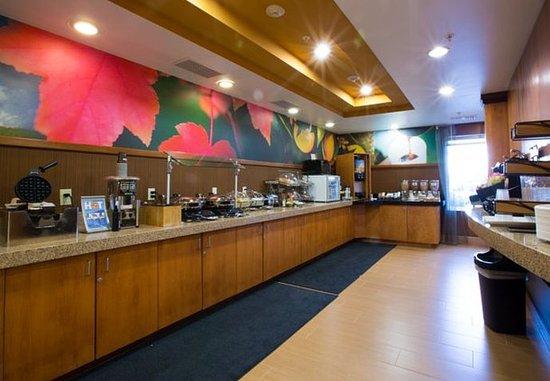 Burlington, WA: Breakfast Buffet