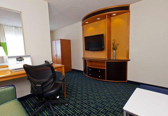 Champaign, IL: Executive Guest Room Living Area