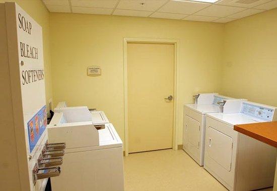 Elizabeth City, NC: Guest Laundry