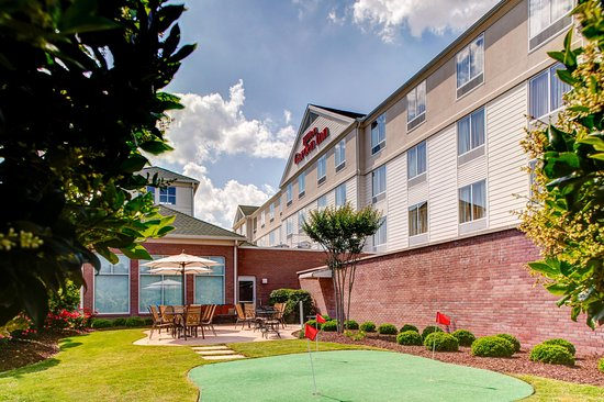 Hilton Garden Inn Wilmington Mayfaire Town Center: Hotel Exterior