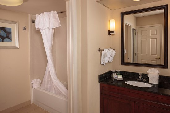 Brentwood, TN: Suite Bathroom