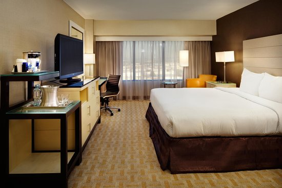 Hilton Los Angeles Airport: King Guest Room