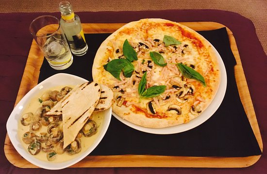 Gomersal, UK: photo0.jpg