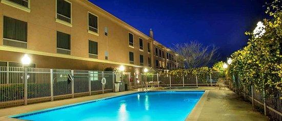 Denton, TX: Outdoor Pool