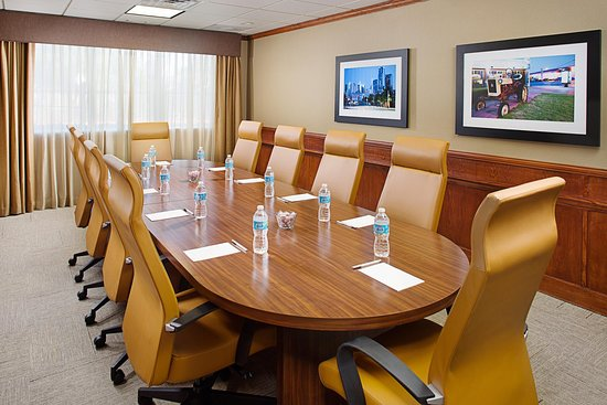 Hampton Inn & Suites Denton : Boardroom