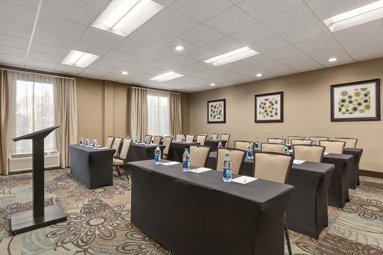 Hampton Inn Birmingham I-65/Lakeshore Drive: Conference Room