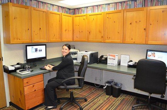 Pineville, NC: Business Center