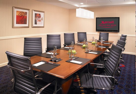 Oak Brook, IL: Boardroom