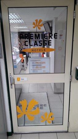 Jaux, Fransa: Entrée