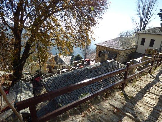 Makrinitsa Houses