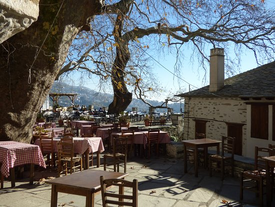 makrinitsa square restaurants picture of makrinitsa volos rh tripadvisor co za