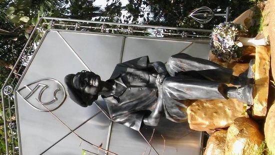 บางละมุง, ไทย: Rama IX.'s Mother