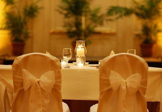 Groton, CT: Wedding Head Table