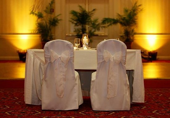 Groton, CT: Head Table with Lighting