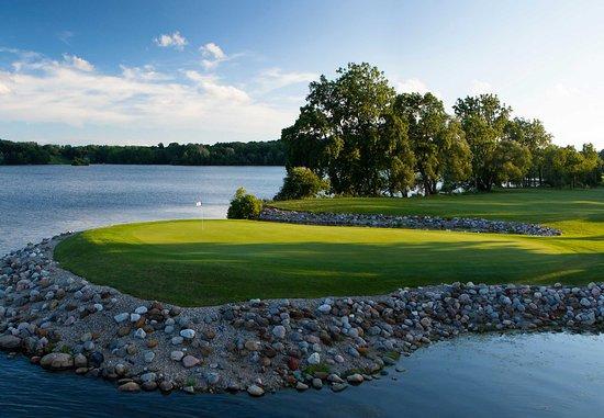 อิปซิแลนที, มิชิแกน: Ford Lake & Eagle Crest Golf Course