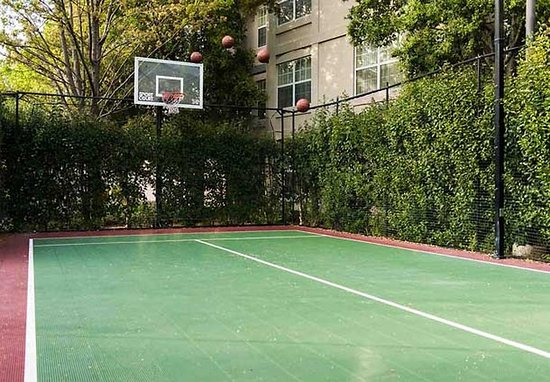 Pleasanton, Kalifornien: Sport Court®