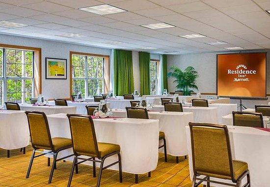 Pleasanton, Kaliforniya: Mission Peak Meeting Room