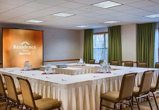 Pleasanton Ridge Meeting Room