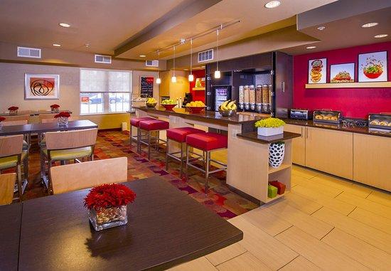 Falls Church, VA: Grab N Go Breakfast