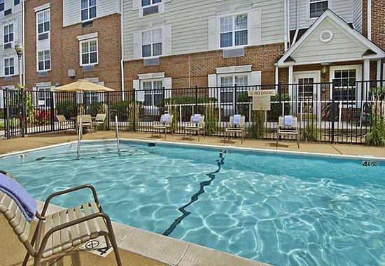 Falls Church, VA: Outdoor Pool