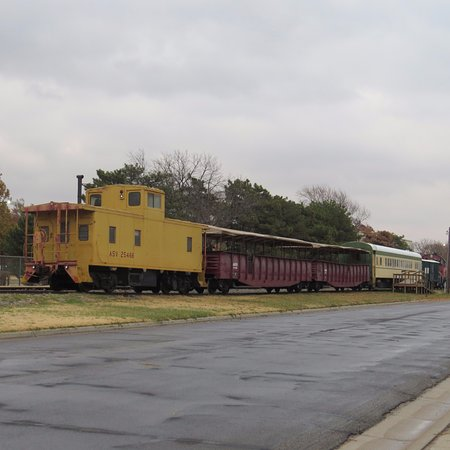 Abilene, KS: Caboose comes up the Rear !