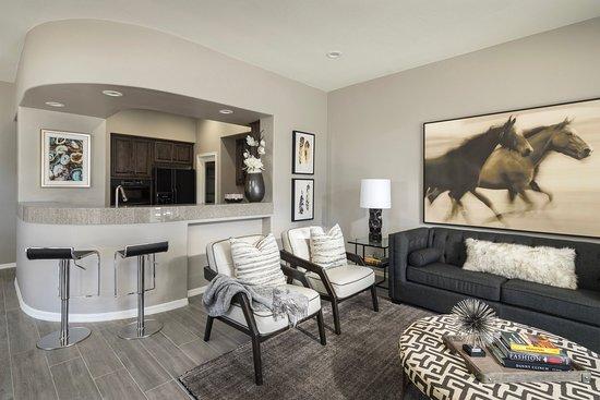 Fountain Hills, AZ: Three Bedroom Villa Livingroom