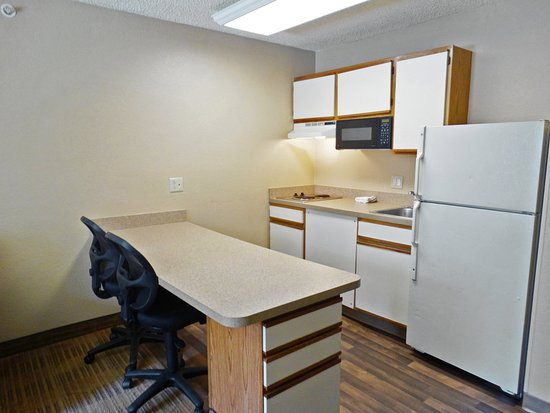 Extended Stay America - Cincinnati - Blue Ash - Reed Hartman: Fully Equipped Kitchens