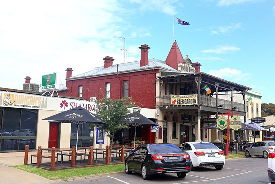 The Shamrock Hotel on the Main Road opposite the Echuca port