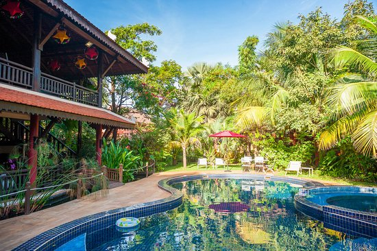 Alliance Tradition Villa - Charming Small Hotel: view from the massage veranda