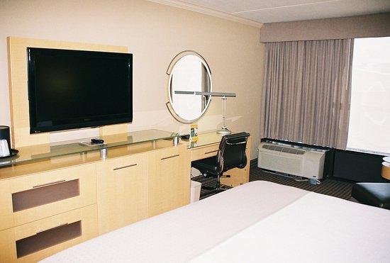 Port Arthur, TX: Holiday Inn Park Central Single Bed Guest Room