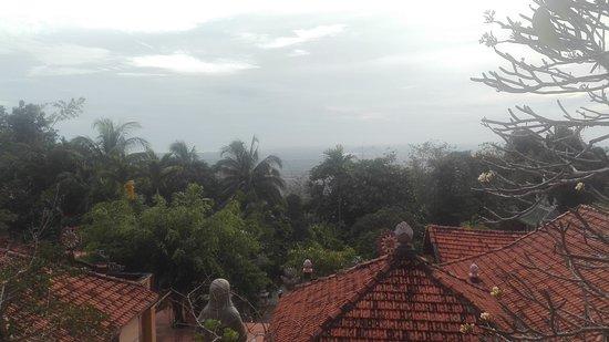 Phan Thiet, Vietnam: Blick auf die Tempelanlage